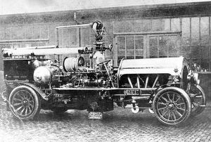 Finchley FB, first British motor propelled fire engine