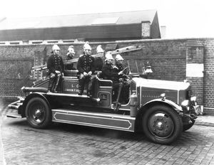 LCC-LFB Dennis motorised fire pump and crew