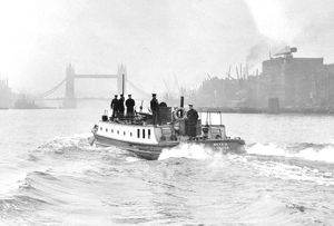 LCC-LFB fireboat Beta III, midstream on River Thames