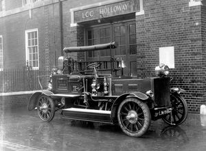 LCC-LFB Holloway fire station with motorised pump
