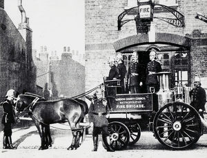 LCC-MFB horse drawn steamer at Greenwich