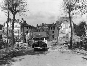 Blitz in London -- ambulance at Ladywell, Lewisham, WW2